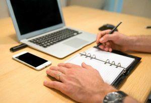 Notebook und Arbeiten